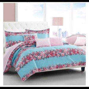 Betsey Johnson Comforter Set, Banded Floral